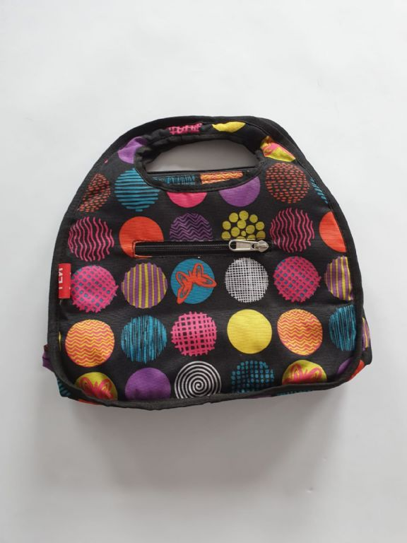 lunchbag_black_with_circles